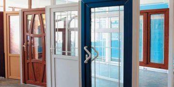 Пластиковые двери с установкой