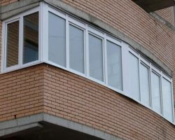 фото балконных рам ПВХ-1