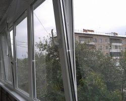 фото балконных рам ПВХ-11