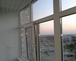 фото балконных рам ПВХ-12