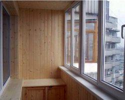 фото балконных рам ПВХ-3