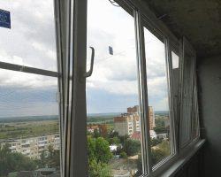 фото балконных рам ПВХ-6
